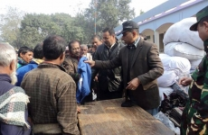 MECA-President-is-distributing-warm-cloths-in-north-bengal